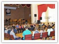 Первокурсники в Большом концертном зале колледжа